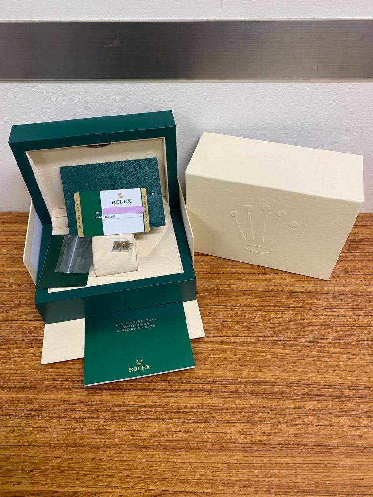 ロレックスの付属品、箱と保証書