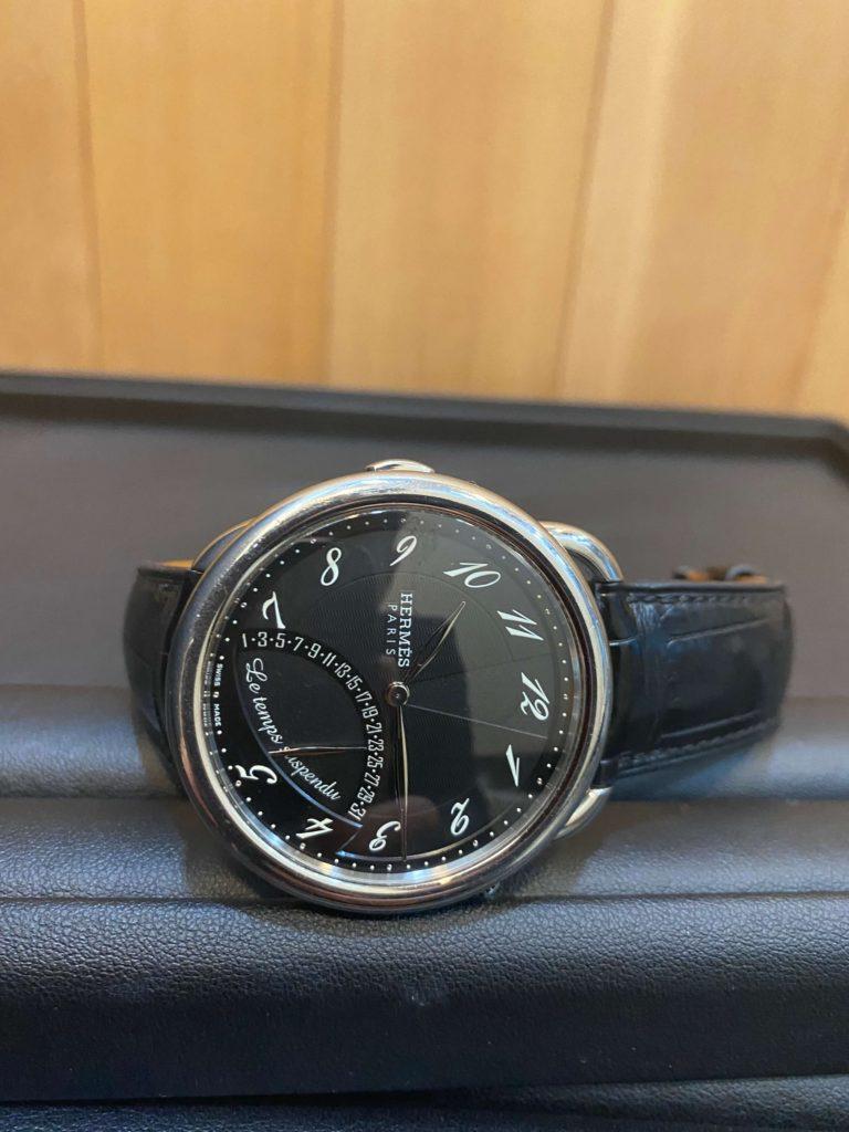 エルメスの時計アルソー タンシュスポンデュ